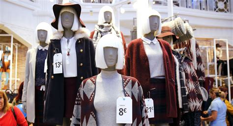 Greenpeace warns against the waste of fast fashion
