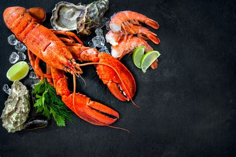 These 6 Restaurants Offer the Best Seafood on Isle of